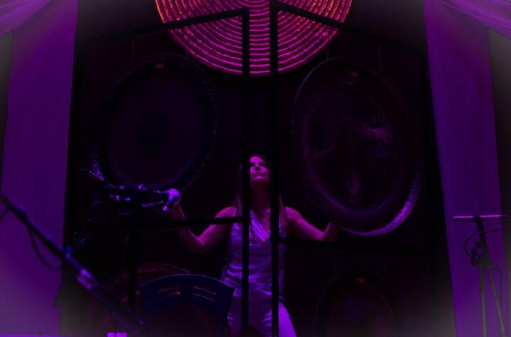 GongMaster Vic Zain en concierto