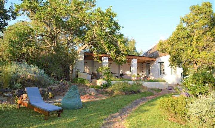 De Vrede Cottage - Charming & Romantic