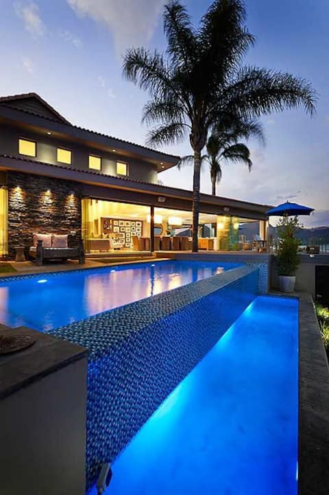 Modern, Contemporary Waterfront Mansion