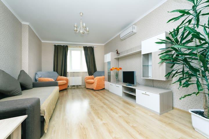 2к Видовые люкс апартаменты (Малиновского 8)