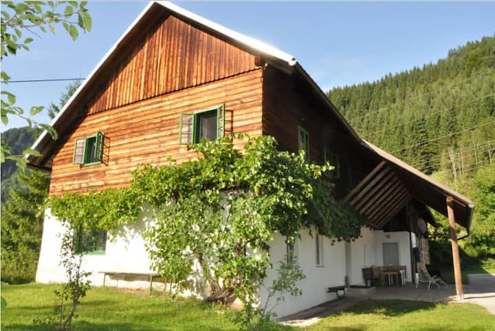 rural house in natural location, Mühlau