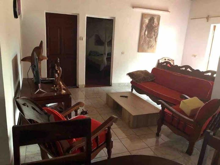 Belle villa meublée et équipée * chez LARISSA*