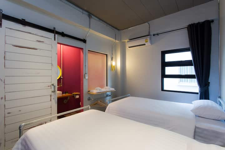 Cozy Twin loft bedroom at Airport Bus Station