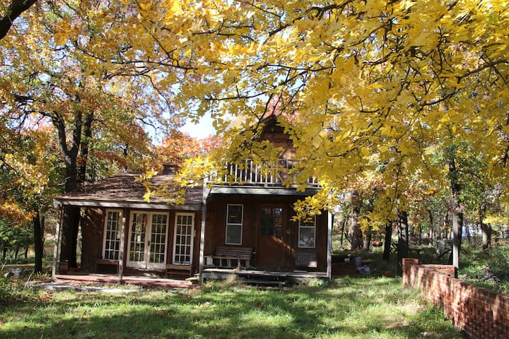 Cabin in the Woods, 10 minutes to Bartlesville