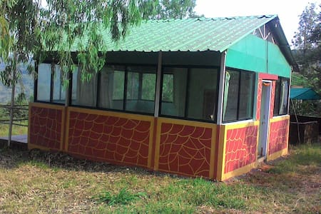 Cozy Cottage and Tent with a beautiful View & Site - Panchgani