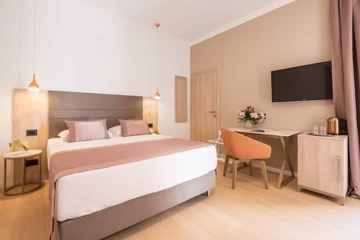 Large Double Room Villa Faggioni (Room 5)