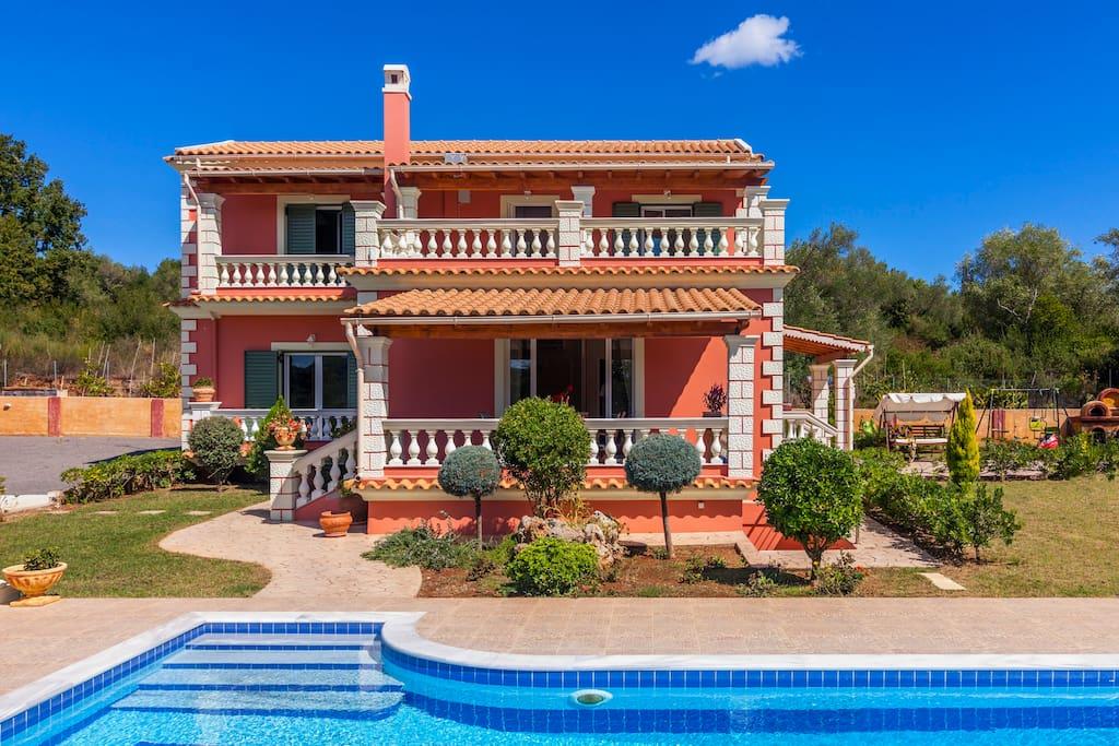 Villa Mirela front view