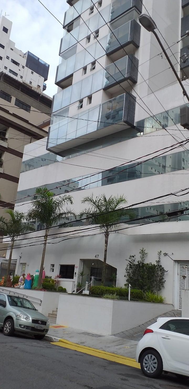 Apartamento Alto Padrão e com garagem privativa