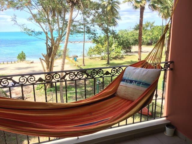 Bahia Serena beachfront condo-WiFi-laundry-screens