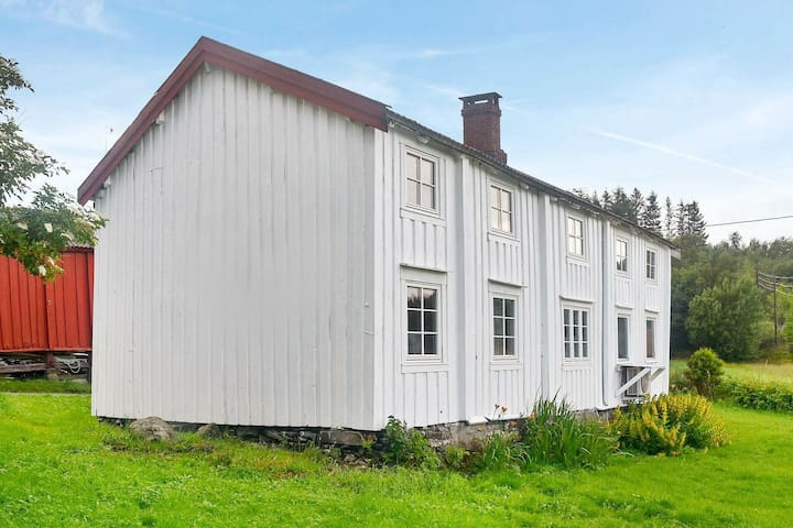 6 person holiday home in Fevåg