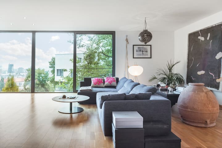 Luxury apartment with stunning views and parking
