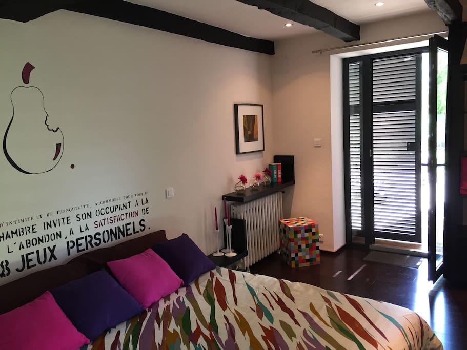 Chambre d 39 h tes design en couleur chambres d 39 h tes louer le gua poitou charentes france Decor photo chambres d hotes