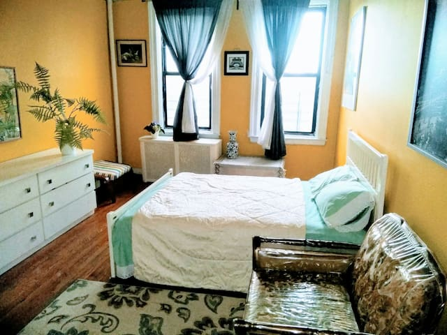 Beautiful  Cozy  room in NYC  nearby Time square