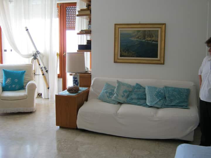 Appartamento con vista mare