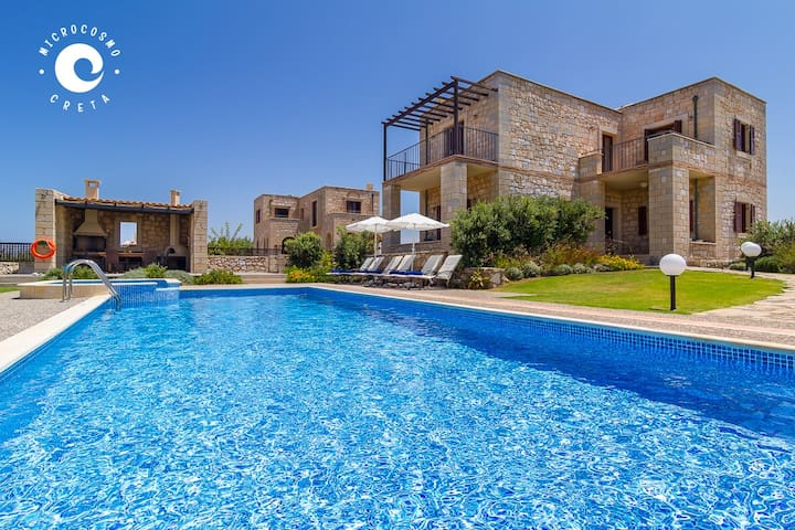 Beachfront Villa★Private pool★Jacuzzi★Wi-Fi★BBQ★