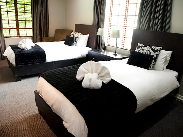 The Gables Guest House - Twin Room