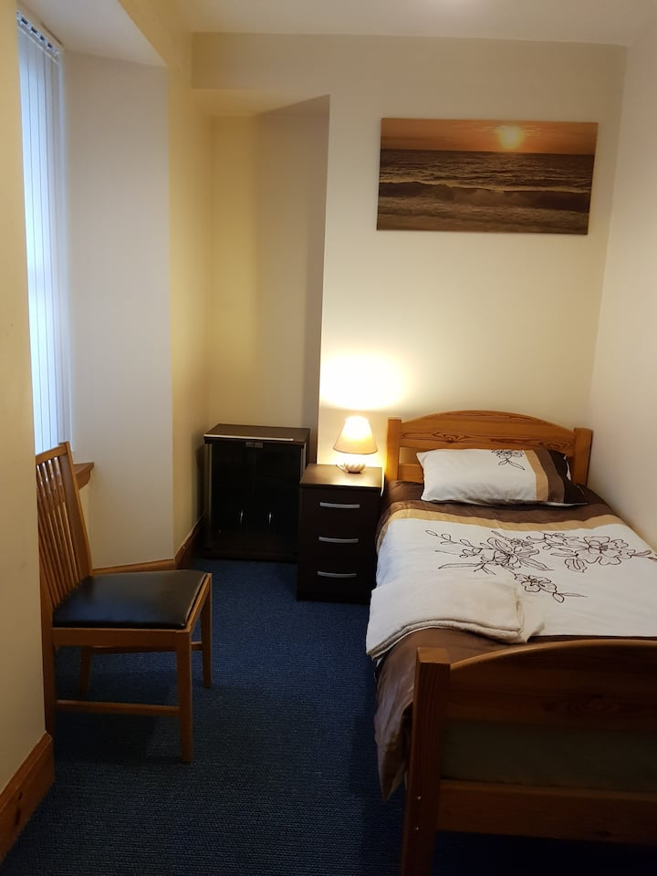 Room near Linlithgow Palace, and Linlithgow  Loch