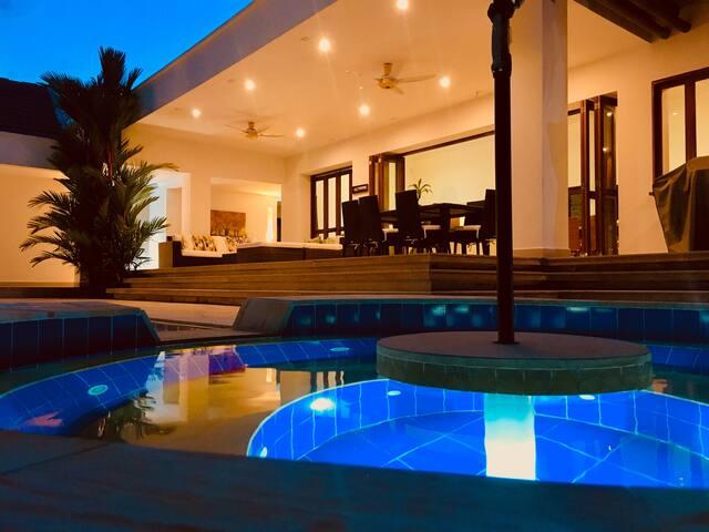 Casa en Club Privado (Golf-Tennis-Nautica-Spa)