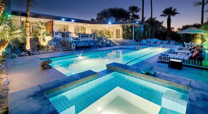 Lux Modern Estate- 6bd, 7ba, Pool, Spa, Dogs ok