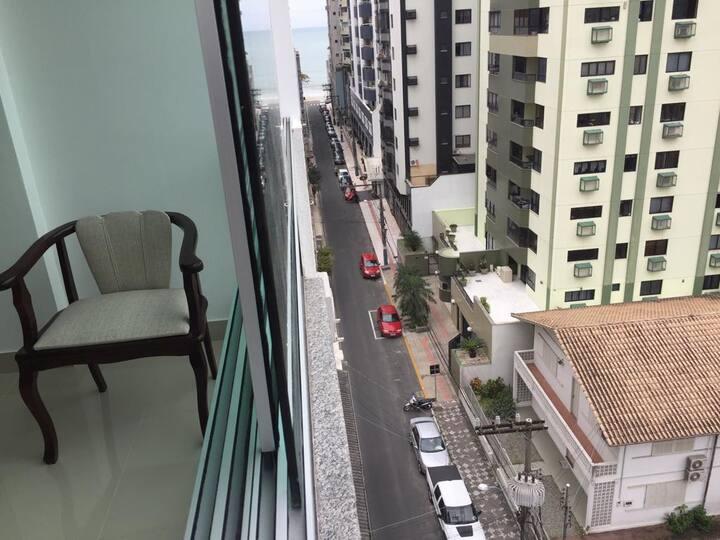 Apartamento na quadra mar em Balneário Camboriú
