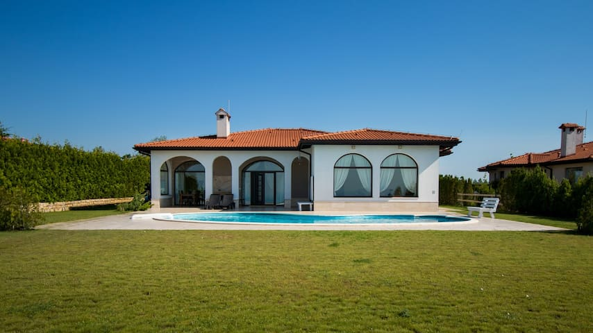Private Villa 101 in BlackSeaRama