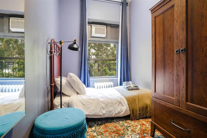 Private Room Chelsea 5E