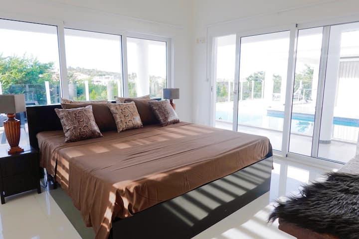 Bed & Breakfast Villa Luxique room 1