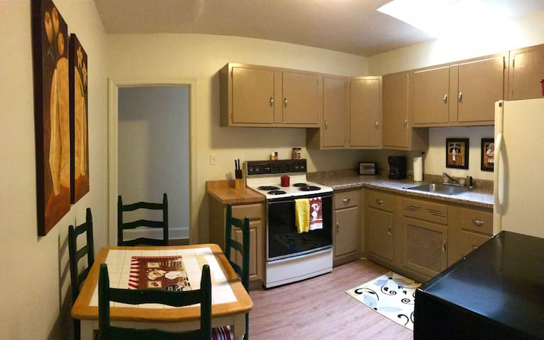 Superior Street Vacation Rental Apartment 1