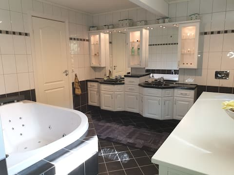 Holiday home whit whirlpool, salmon fishing