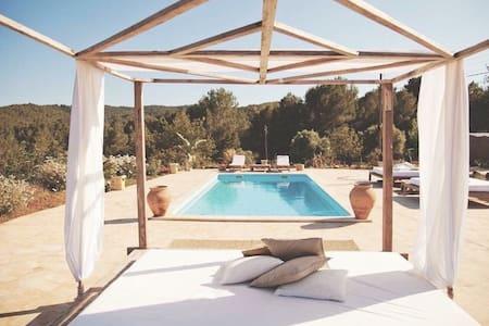 Master Suite in FincaSanLorenzo Ibiza up to2-4pers - Santa Eulària des Riu