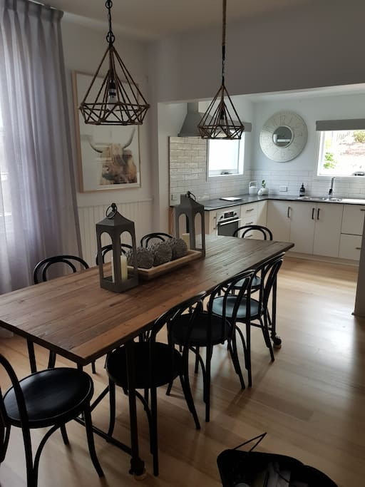 Open Plan Dining and Kitchen