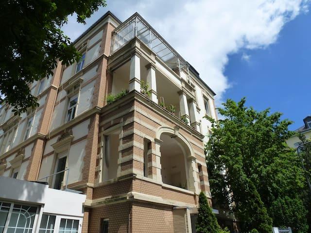 Villa Uhland - City Condo, cozy and convenient