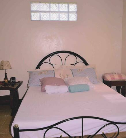 Affordable Bed & Breakfast, Silang near Tagaytay