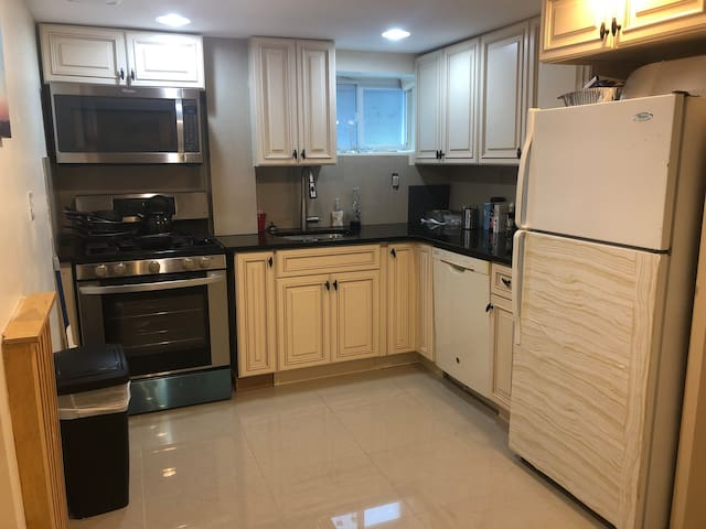 Renovated Spacious Midwood Apartment!
