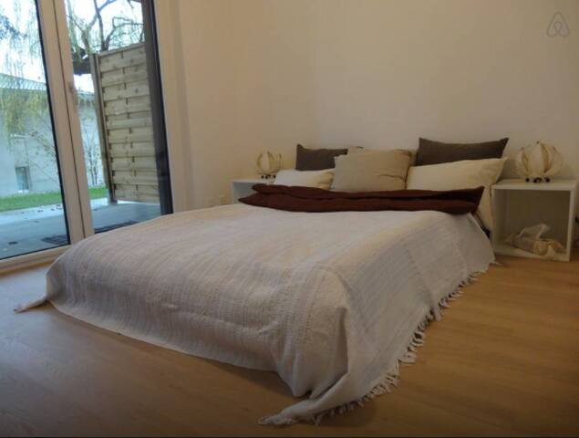 Quiet private room w lakeview - Lausanne - Wohnung