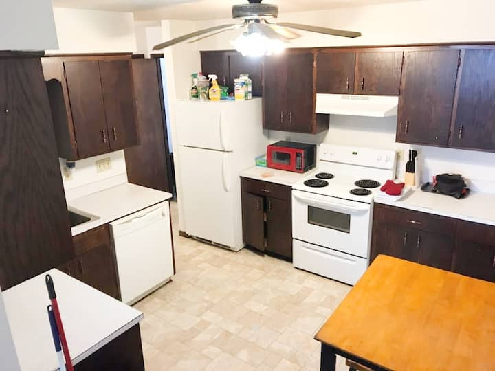 2 bed, 1 bath cozy apartment in Thief River Falls