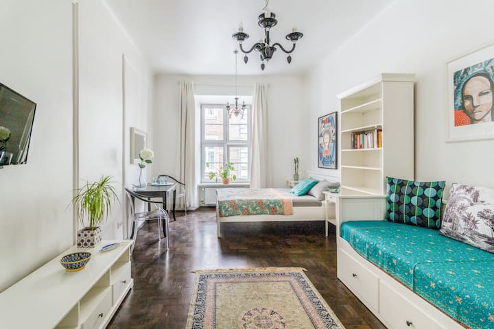 Charming Apartment,  Heart of Old Jewish Quarter
