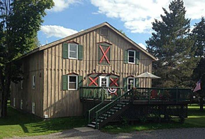 Prime Village location!!  EVL Lodge Room 301
