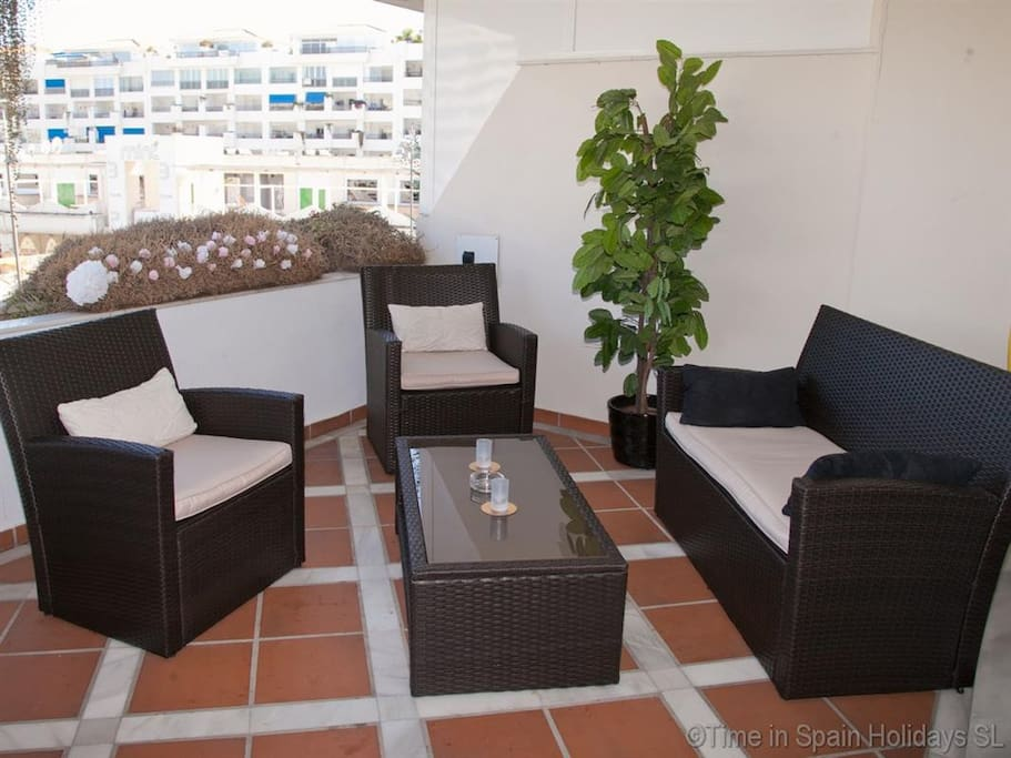 Large outside terrace with comfortable seating
