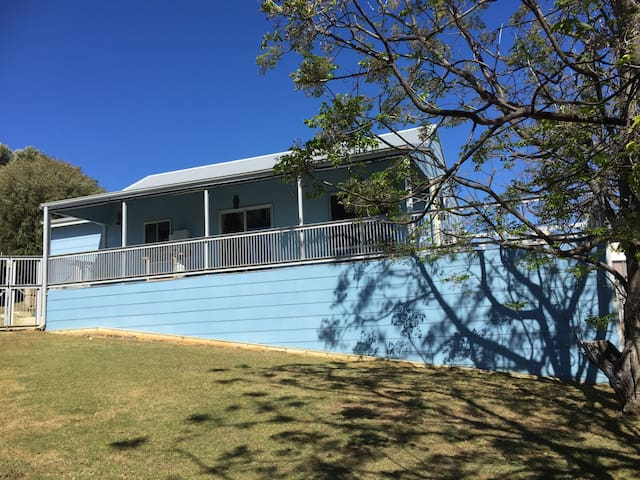 The Blue Shack - Preston Beach - House