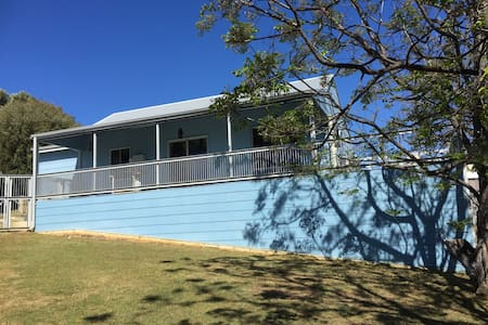 The Blue Shack - Preston Beach
