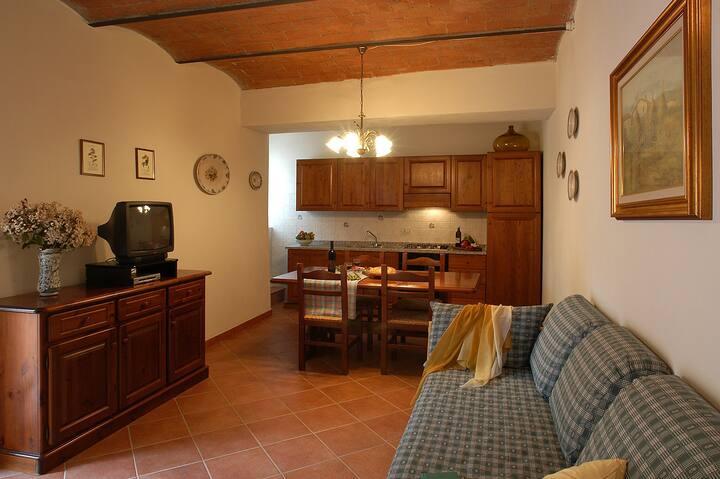 Tipico appartamento al piano terra con 2 camere