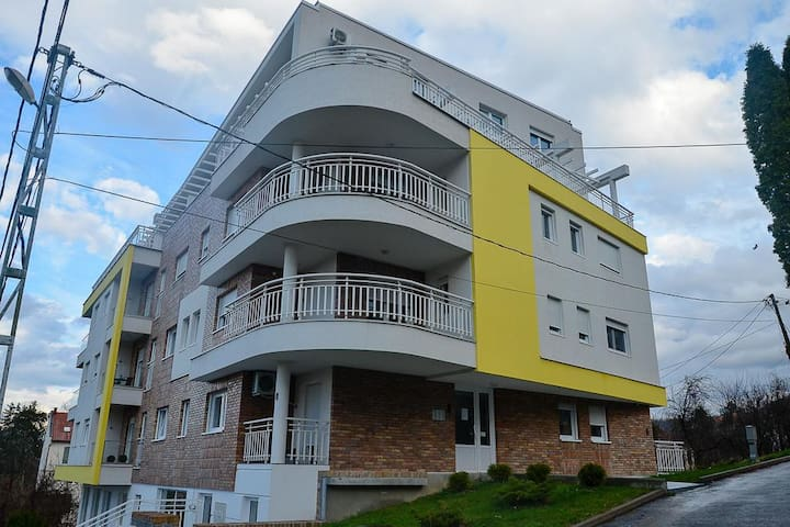 APARTMENT A9 LUX