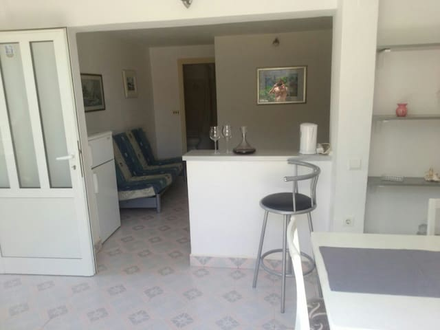 One bedroom apartment - Žrnovnica - Appartement