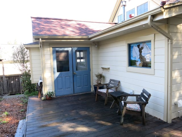 Charming Sebastopol Home - 5 Minute Walk to Town