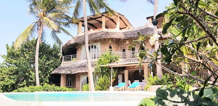 Baraka House, beautiful Watamu beachfront location