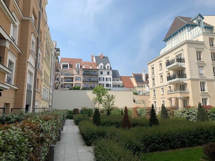 T2 moderne et paisible avec loggia près de Paris