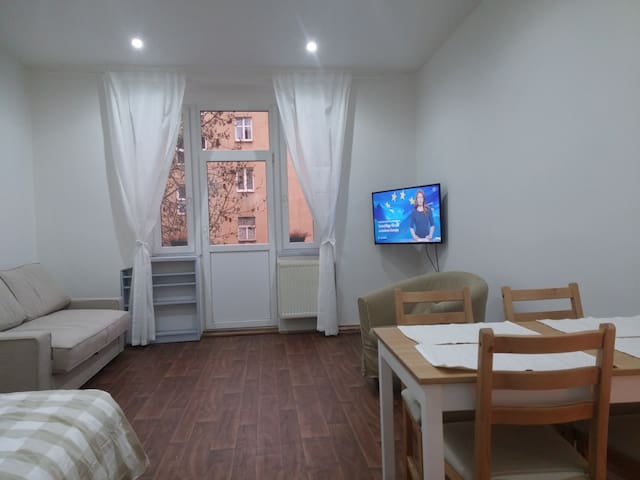 Pleasant apartment with terrace, 1 min. from metro