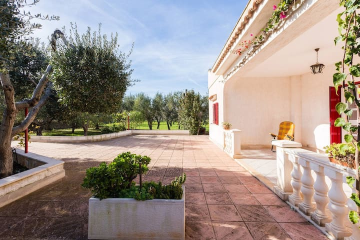 Villa 800 meters from the center of Ostuni