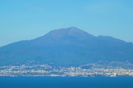 """""""La Rada Felice"""" : 360° bellevue - 維克艾庫塞(Vico Equense)"""